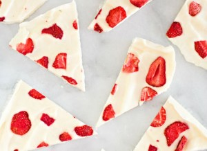 Strawberry-yoghurt-bark
